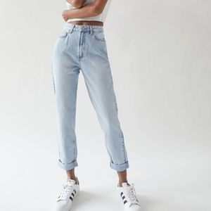 NWT BDG UO High Waisted MOM Rolled Cuff Jeans